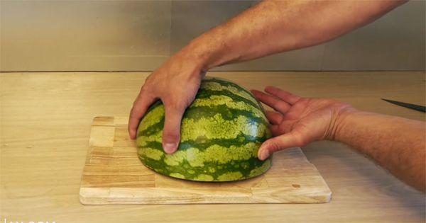Ha ezt meglátod, eztán te sem fogod másként felvágni a görögdinnyét!