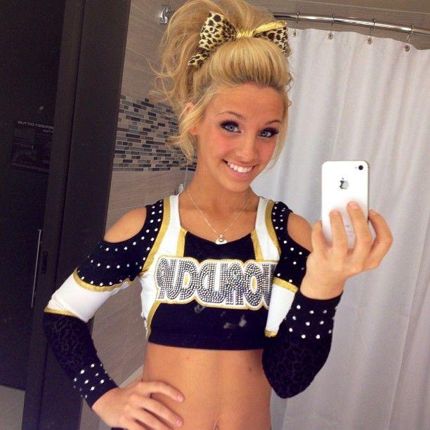 cheerleader Blonde teen girl
