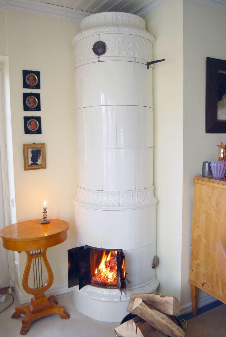 Swedish Original Stove. Cosy fireplace. Antiker klassischer Zylinderofen  source: GITA GmbH / www