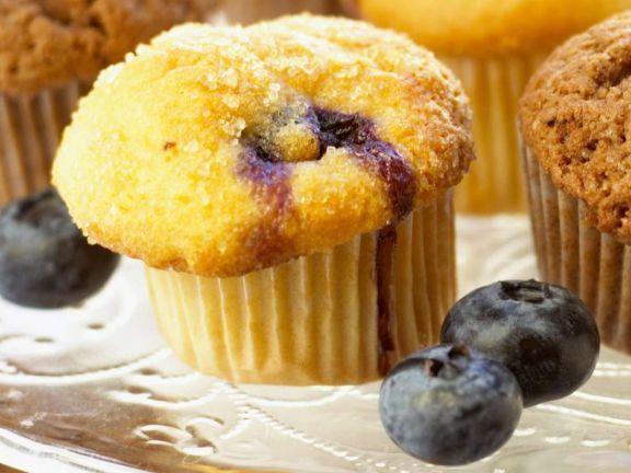 Mini-Blaubeermuffins ist ein Rezept mit frischen Zutaten aus der Kategorie Muffins. Probieren Sie dieses und weitere Rezepte von EAT SMARTER!