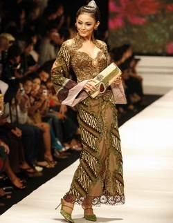 notching kebaya
