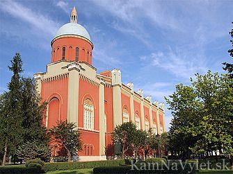 Evanjelický kostol v Kežmarku bol postavený v rokoch 1879-1892 domácim staviteľom Viktorom Lazarym. Kostol navrhol známy viedenský architekt Theofila von Hansena a pôvodne bol určený pre oblasť Orientu.