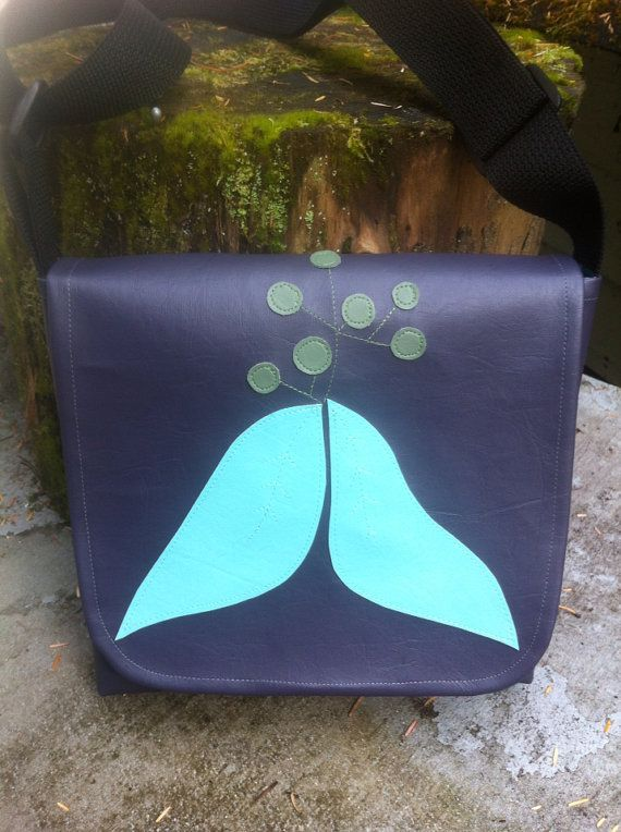 Camera Bag Small Side Satchel Vinly Messenger by BagsBeursBolsas