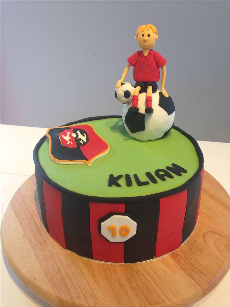 Gâteau d'anniversaire foot stade rennais - creative cake - cake design - pâte à sucre