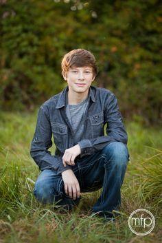 senior boy photography poses on Pinterest