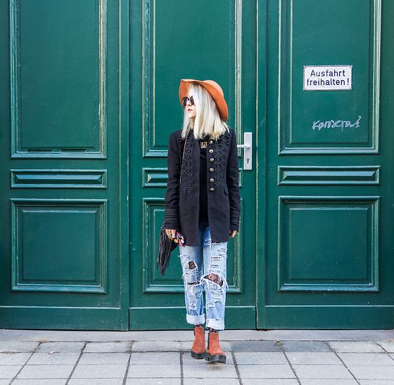 Get this look: http://lb.nu/look/8620649  More looks by Diana Manolova: http://lb.nu/dianamanolova  Items in this look:  Zara Military Look Coat, Bershka Ripped Girlfriend Jeans, Mango Ankle Boots, Mango Hat, H&M Mini Bag With Fringes, Urban Outfitters Sunglasses   #artistic #casual #chic #urban #streetstyle #everyday #fashion #stuttgart #germany