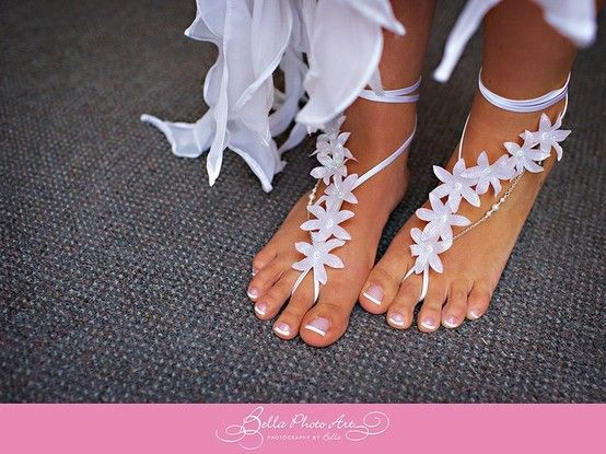 sandals elisedunn: Ideas, Barefoot Sandals, Style, Stuff, Wedding Shoes, Beautiful, Beach Weddings, Wedding Beaches, Beaches Wedding