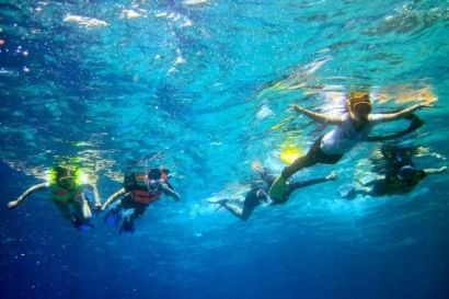 I tell you that there are water sports Snorkelling in Tanjung Benoa Beach... #snorkling #watersport #bali #tripsbali #trip #trips #activities