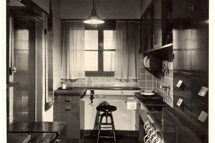 The Frankfurter Kitchen! Architekturmuseum guckt Ernst May in die Küche