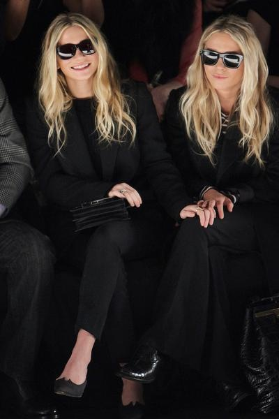Ugh, I love them. Can they please make another movie? PLEASE. #MKandAshley #NYFW #frontrow
