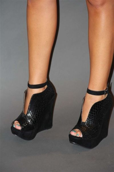 black wrap around the ankle wedge! A must have for fall!
