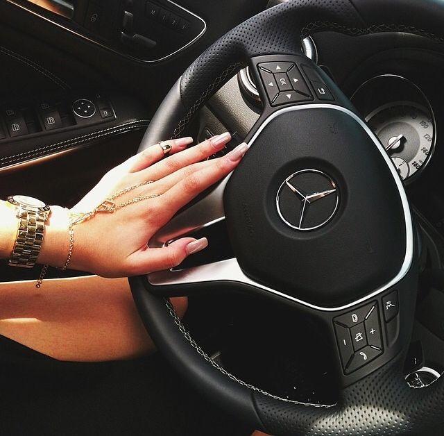 x #mercedes #nails #cartier
