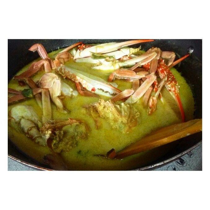 Crab Cooked in Coconut Milk wit Tumeric