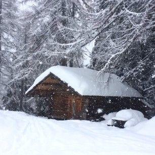 Best weather to #ski with #kids. Empty slopes no waiting line at huts. #wearenotmadeoutofsugar #dolomitesski