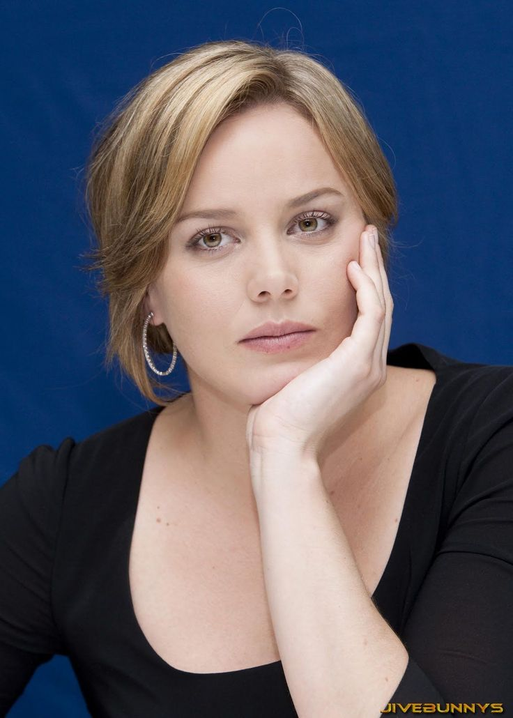 Abbie Cornish ...... In 2004, Cornish appeared in the award-winning short film Everything Goes with Hugo Weaving.
