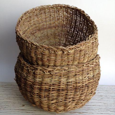 Artesanía tradicional chilena Chaiwe: Canasto típico mapuche, hecho a mano con las guías del copihue, las que se hierven y dejan secar para luego tejer. Se utiliza como colador para el mote.