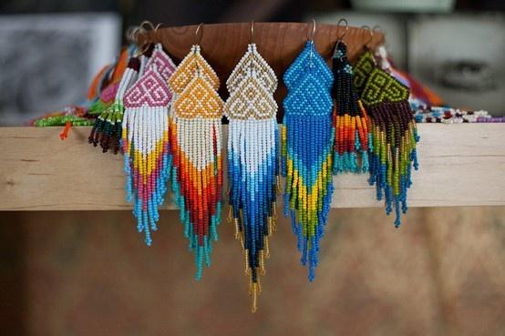 native american styulhNative American Jewelry, Beads Earrings, Native Americans, Seeds Beads, Indian Earrings, Beaded Earrings, Chand Earrings, Bright Colors, American Beautiful