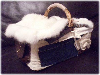 1年中使えるかごバッグ*ファーと革の蓋はそれぞれ取り外し可能です。季節やお好みに応じて変化させて下さい。【サイズ】 長い部分×短い部分×...|ハンドメイド、手作り、手仕事品の通販・販売・購入ならCreema。