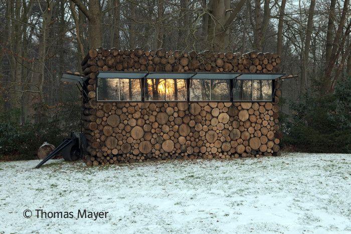 Tree-Trunk Garden House / Piet Hein Eek