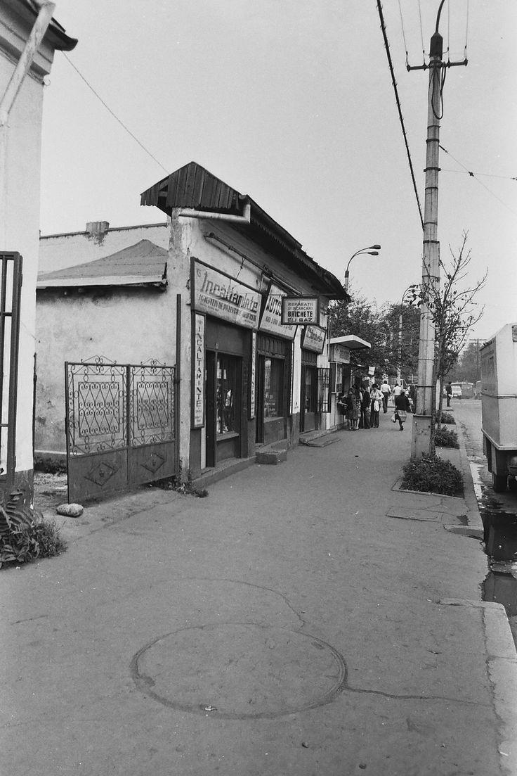 Bucurestiul de altadata: Calea Rahovei - 1978: Calea Rahovei nr. 212, inaintea intersectiei cu bd. Tudor Vladimirescu (Piata Chirigiu).