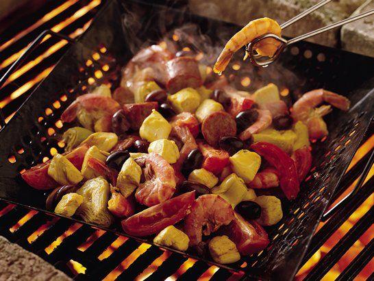 Paella Grill - Grilled Paella Recipe | QueRicaVida.com