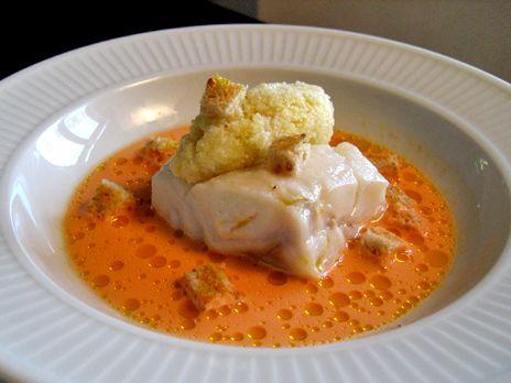 Ångad torsk med morotssky och råriven blomkål | Recept från Köket.se