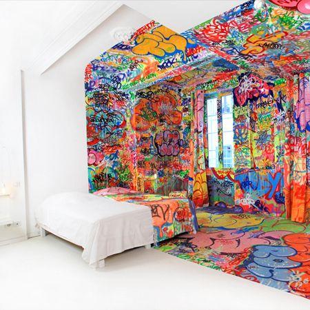 Quand Tilt décore une chambre d'hôtel !