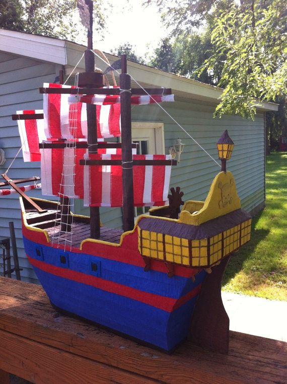 Pinata bateau pirate par PinataVille sur Etsy