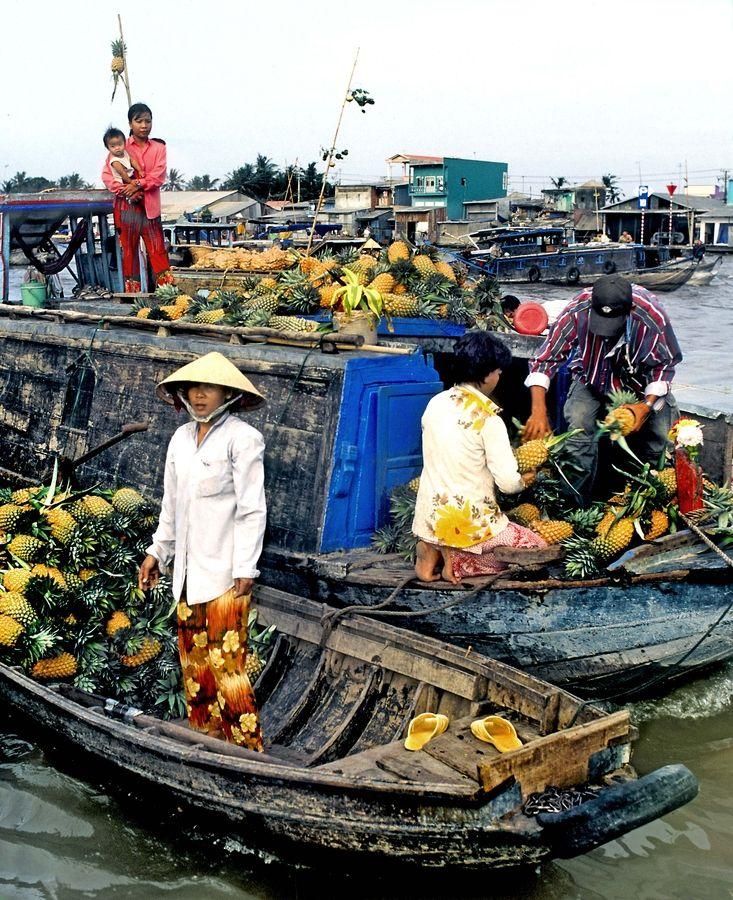 www.tastesomeculture.com Cai Rang floating markets, Mekong Delta, Vietnam River of life.