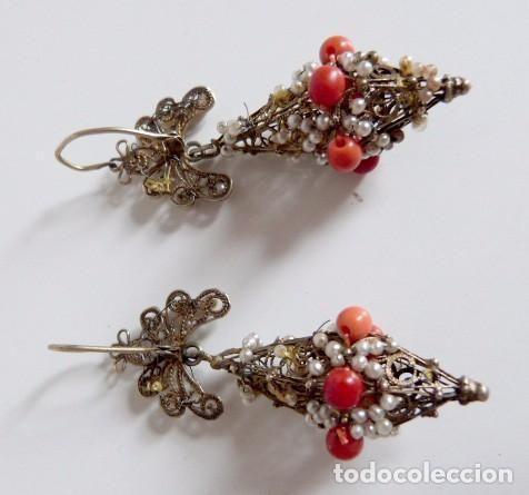 Antigüedades: Pendientes antiguos filigrana en plata dorada aderezados con perlas y coral rojo natural - Foto 9 - 64446327
