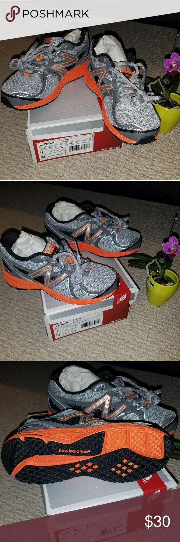 New balance kid running shoes Brand new, perfect condition,  very light and super  comfortable !! New Balance Shoes Sneakers