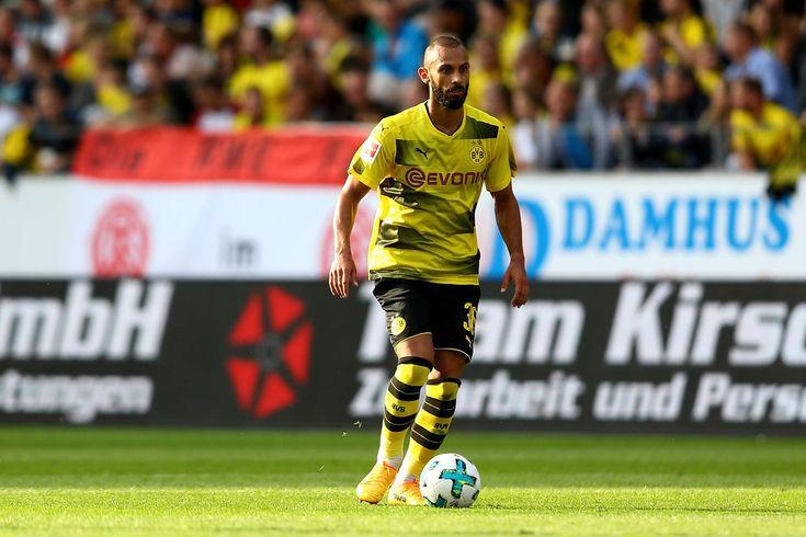 Oemer Toprak Photos Photos - Rot-Weiss Essen v Borussia Dortmund - Preseason Friendly - Zimbio
