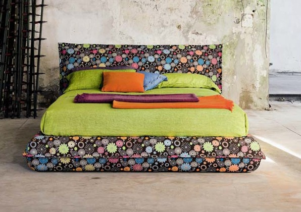 Passion of  Flowers: padded bed frame stuffed with goose down