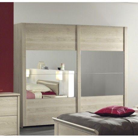Jolie armoire moderne à 2 portes coulissantes avec miroir au centre! Sa structure est fabriquée en panneaux de particules de haute qualité pour assurer une s...