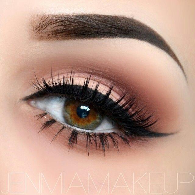 @jenmiamakeup  Makeup Geek Cosmetics eyeshadows in crease - Latte, Bitten, Espresso. MAC cosmetics eyeshadows on lid - Blanc Type with Peach Smoothie on top