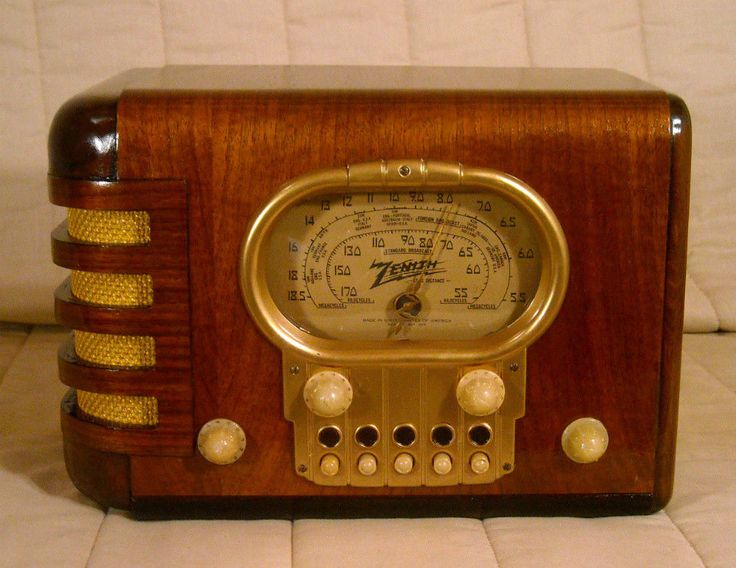 Old Antique Wood Zenith Vintage Tube Radio - Restored & Working Race Track Dial