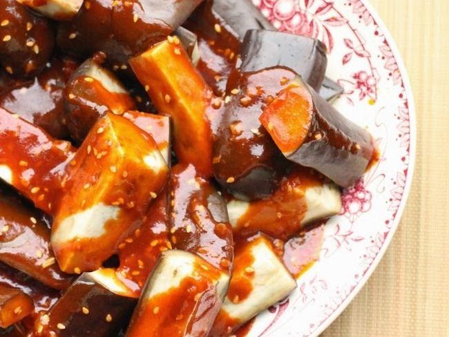 Aubergines vapeur et sauce piquante
