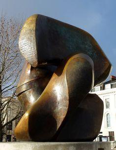 Henry Moore, Locking Piece (1964)   par jacquemart