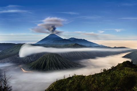 Volcan de Yellowstone: Dreams Job, Asia Travel, National Geographic, East Java, Landscape Photography, National Parks, Mount Bromo, Southeast Asia, Mount Semeru