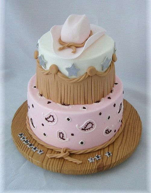 Cowgirl hat and bandana by Cake Diane Custom Cake Studio (eyedewcakes), via Flickr