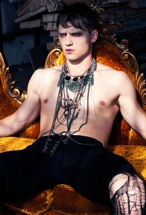 Occult Couture Pictorials : guapo f w 2011