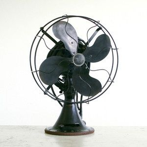 Emerson electric fan and yes mine works just fine...bring on summer.