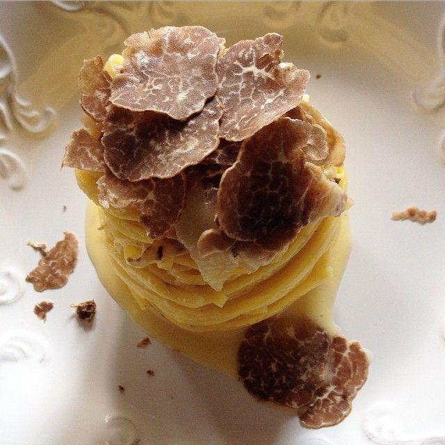 Per #pranzo? Un deliziosa #carbonara con #tartufo #marzuolo !