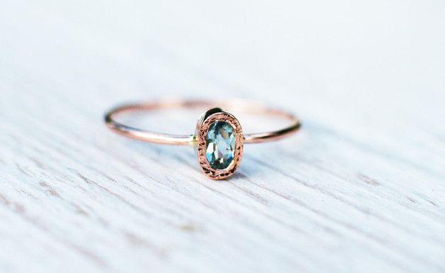 Funkelnder Verlobungsring mit  Stein in Aquamarin / engagement ring, aquamarine by arpelc via DaWanda.com