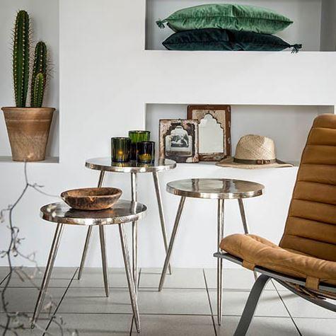 Herlige nyheter! Småbord modell ERIK🍀 Du finner produktene i nettbutikken😊 www.mirame.no #spisestue #kjøkken #stue #gang #kaffebord #innredning #møbler #norskehjem #spisestue #mirame #pris  #interior #interiør #design #nordiskehjem #vakrehjem #nordiskdesign  #oslo #norge #norsk  #bilde #speilbilde #metall  #bestselger #erik #småbord