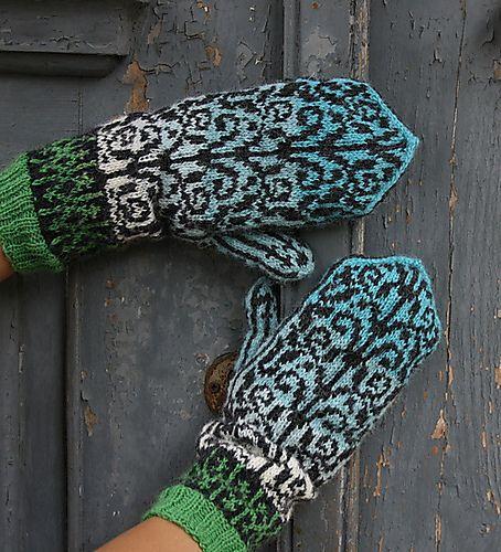 Ravelry: Ironwork Mittens pattern by Natalia Moreva