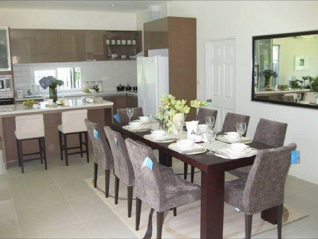 Kitchen Table and Chairs, Every Kitchen Demands One