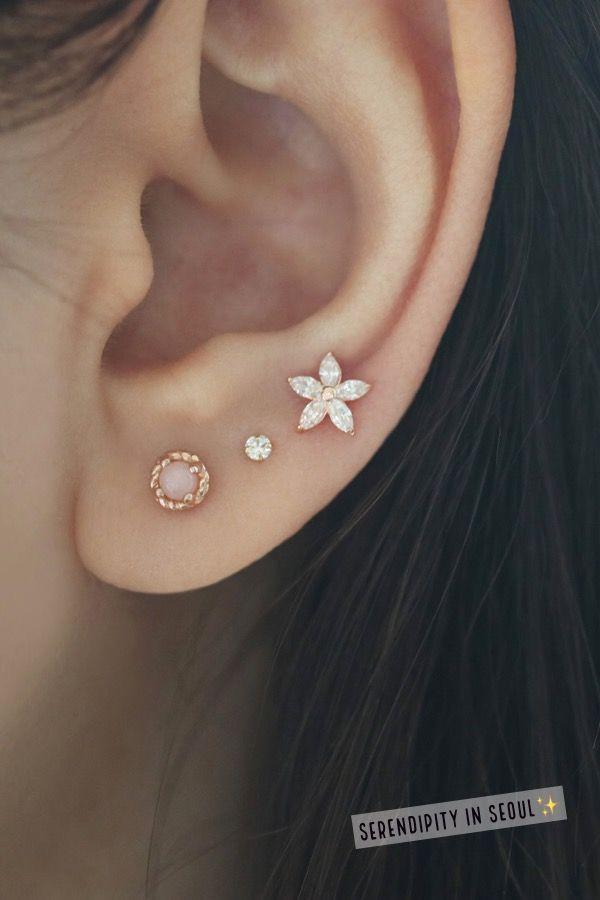 4b922e2e1 Flower Cartilage Stud Earring- 14K Gold in 2019 | Piersing ucha | Náušnice,  Tetování