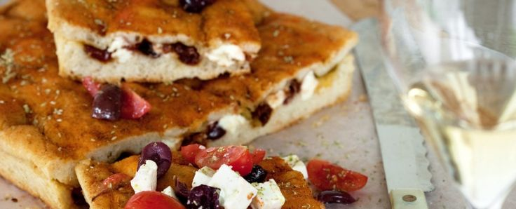 focaccia-doppiata-con-olive-marinate