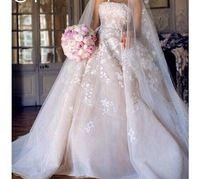 Encanto sin tirantes Appliqued florales blusa tren de la catedral una línea de vestidos